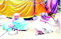હૈદરાબાદમાં (કુ)પુત્રએ વૃદ્ધ માતા-પિતા પાસેથી સંપત્તિ છીનવી લીધી, તેમને તરછોડી દઈ ભીખ માંગવા મજબૂર કરી દીધા