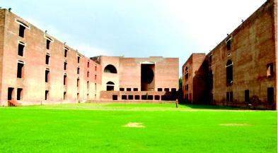 IIMઅમદાવાદ ખાતે ધ્વંશ એ સ્થાપત્ય ખજાના પ્રત્યે ભારતનું ઓછું માન દર્શાવે છે