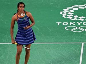 ટોક્યો ઓલિમ્પિક :  પીવી સિંધુની શાનદાર શરૂઆત, પ્રથમ મેચમાં ફ્ક્ત ૨૮ મિનિટમાં ૨૧-૯થી જીત્યો મુકાબલો