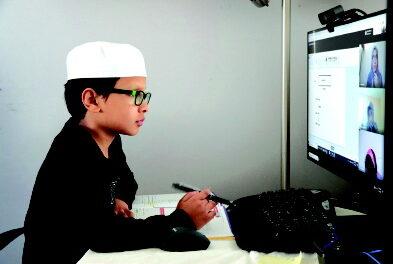 સઉદી અને UAE વાયરસની સાવચેતી તરીકે સ્કૂલોમાં સોશિયલ ડિસ્ટન્સ શિક્ષણ યોજના શરૂ કરશે