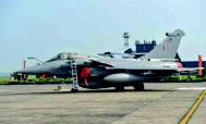 પાંચ રાફેલ વિમાનો ભારતીય વાયુસેનાની 'ગોલ્ડન એરોઝ' સ્કવોર્ડનમાં જોડાયા