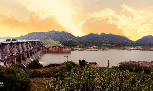 ધરોઈ ડેમમાં પાણીની આવક થતાં નયનરમ્ય નજારો સર્જાયો