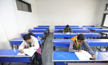 ચલો સ્કૂલ-કોલેજ ચલે હમ; રાજ્યભરમાં વિદ્યાર્થીઓની પાંખી હાજરી સાથે શાળા-કોલેજો ધમધમી ઊઠી