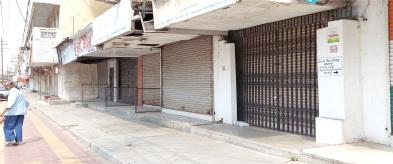 આણંદમાં મીની લોકડાઉન પોલીસે તમામ બજારો બંધ કરાવ્યા